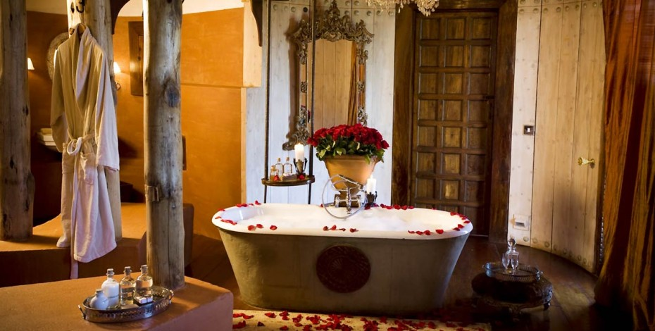 Luxurious bathroom at Crater Lodge