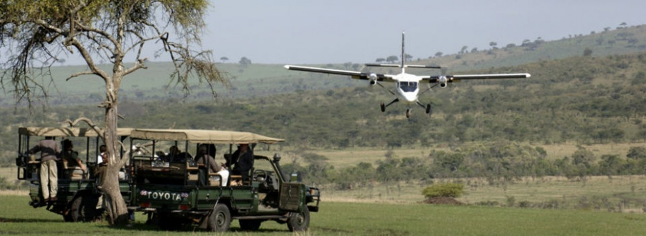 Guests arriving at Klein's Camp in the Serengeti
