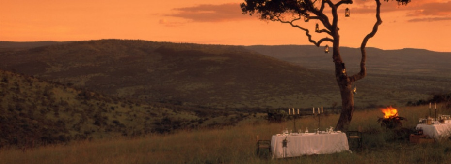 Bush dining at Klein's Camp in the Serengeti