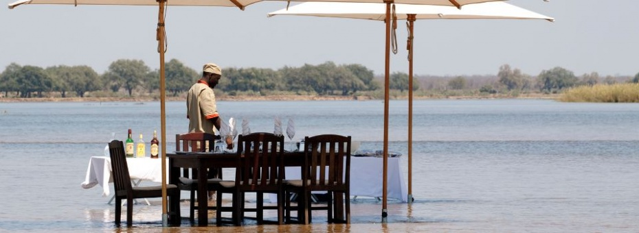 Dining at Zambezi Kulefu in the Lower Zambezi