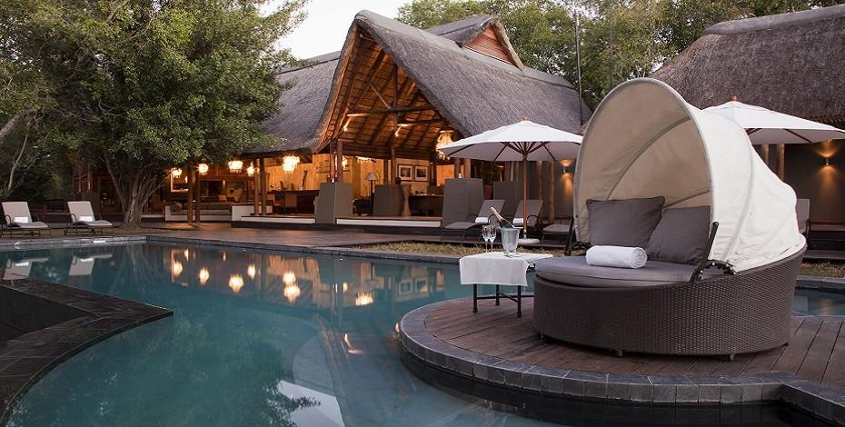 Luxury lodge on the Zambezi River