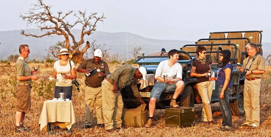 Game drive at Thanda Safari Lodge