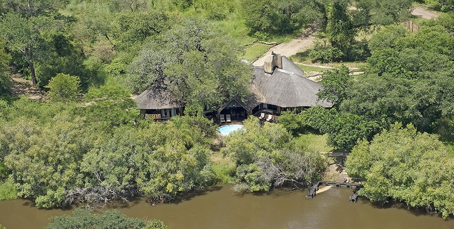 Stay on the bank of the Zambezi River