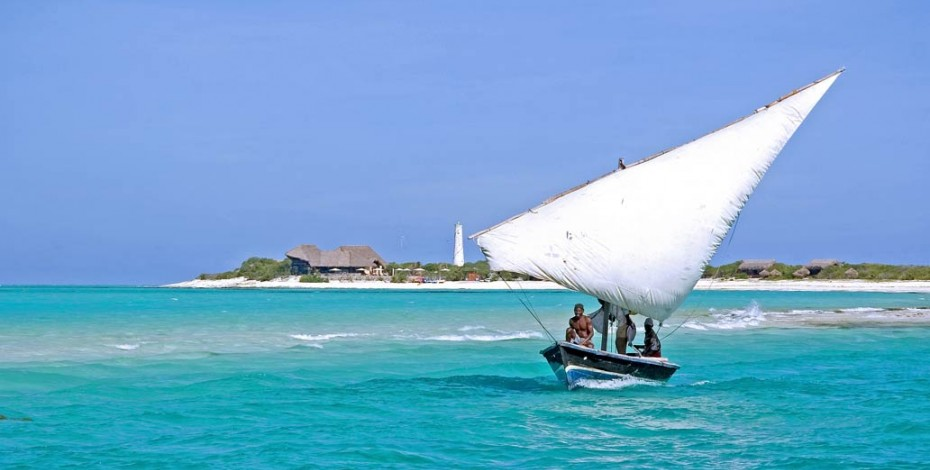 Dhow sailing past Medjumbe