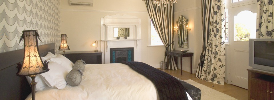 Guestroom at Abbey Manor